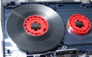18 Thats CD-MH100 hub with tape.jpg